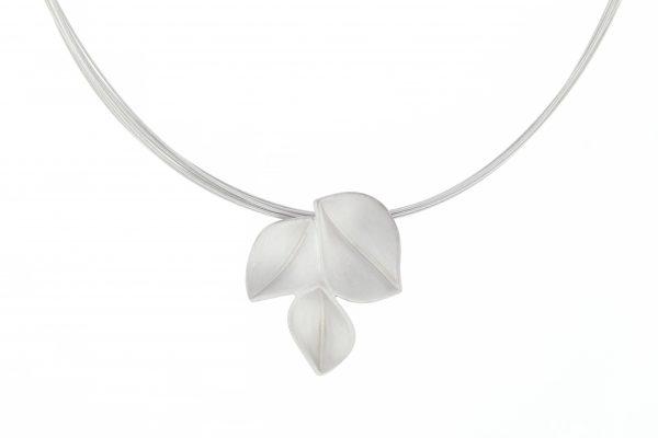 nicola-bannerman-silver-3petal-pendant