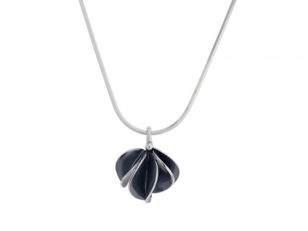 nicola-bannerman-silver-leafbud-pendant