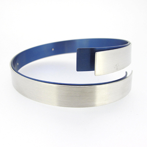 vanessa-williams-titanium-bangle-blue