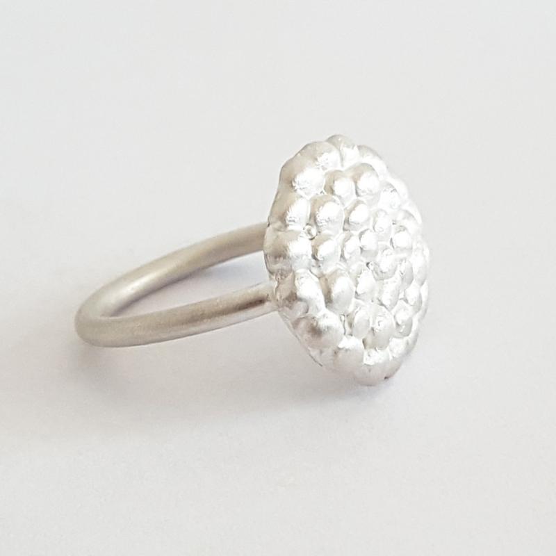 silver-palawan-pebble-round-ring-side