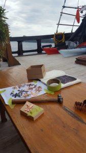live-aboard-raja-ampat-making-jewellery