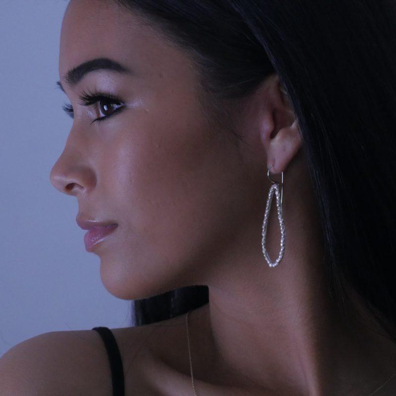 palawan pebbles single hoop silver earrings