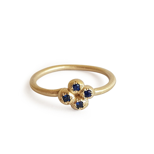 yellow-gold-sapphire-ring