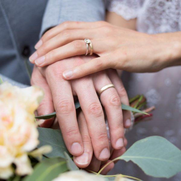 naomi and Eliah wedding rings gold