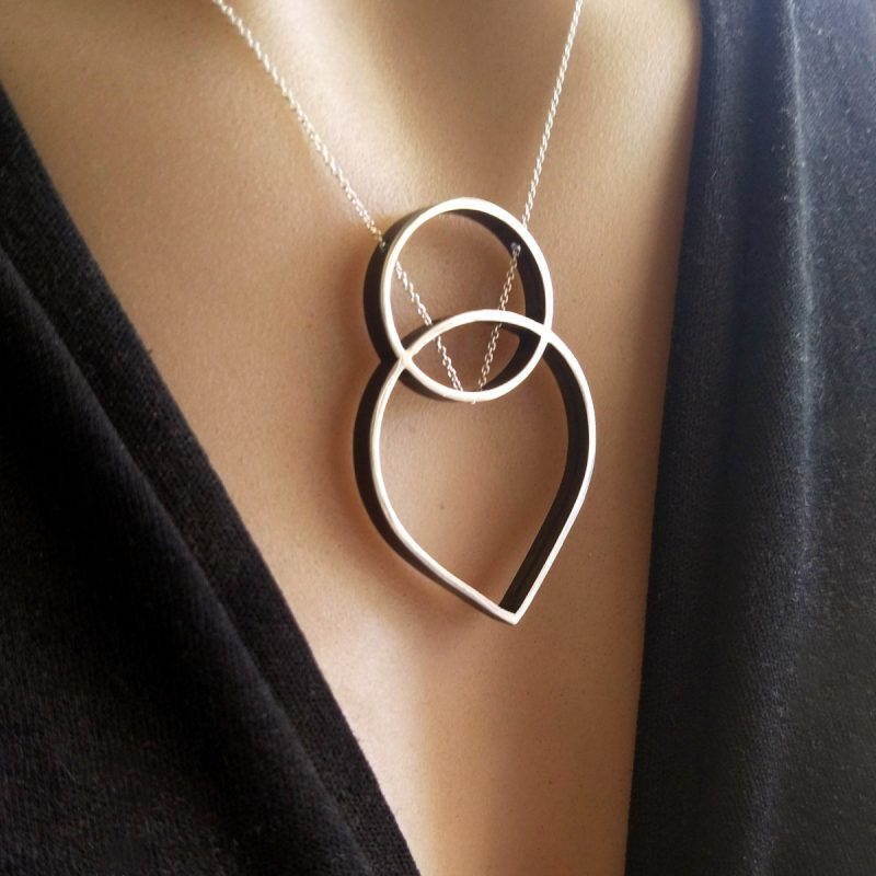 OUTLINE silver necklace