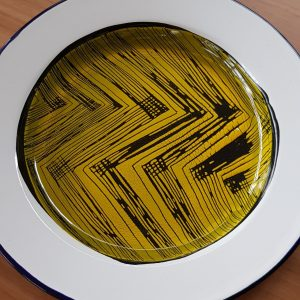enamelled crockery